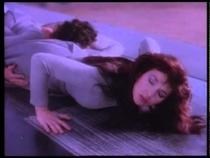 Посмотрите Kate Bush - Running Up That Hill - Official Music Video
